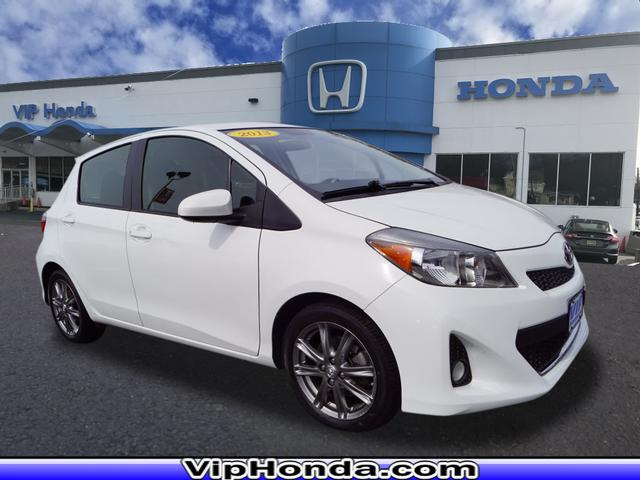Pre-Owned 2013 Toyota Yaris SE
